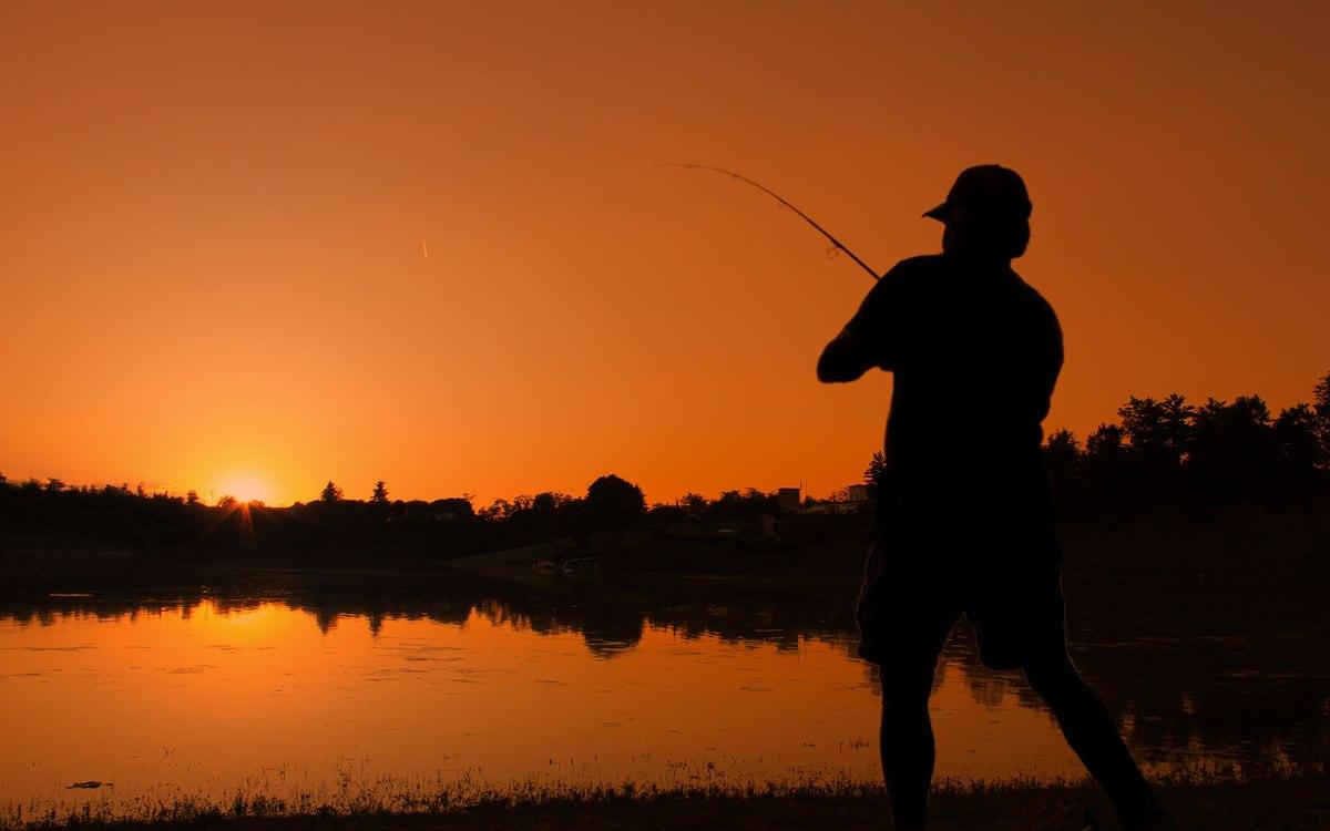 Pesca sportiva, obbligatorio il possesso deltesserino